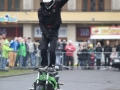 10_motocykl_kaskaderi1
