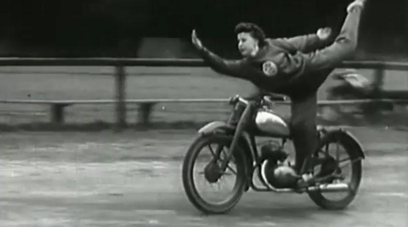 1955-spartakiada-motorky-video