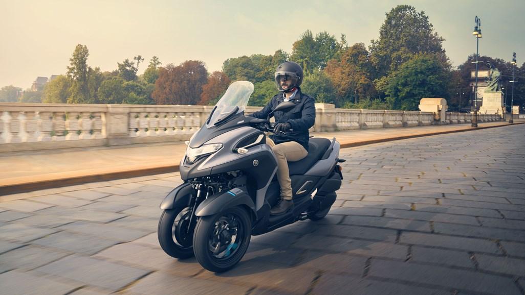 2020-Yamaha-Tricity-300