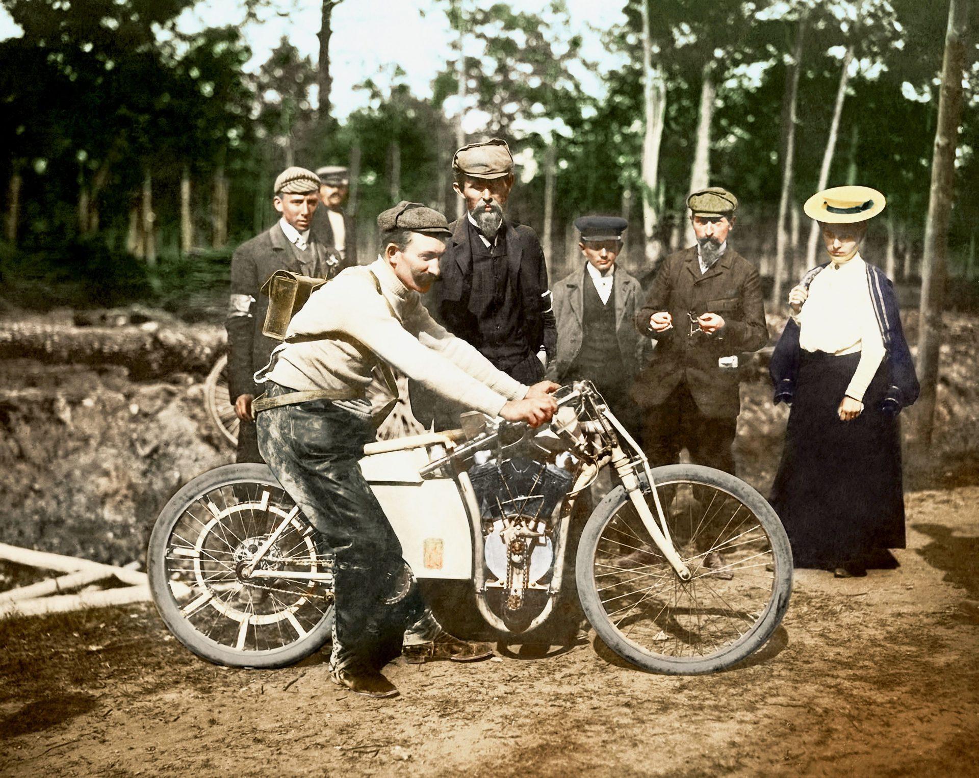 Před 115 lety byl Laurin & Klement vítězem světového šampionátu v Dourdanu
