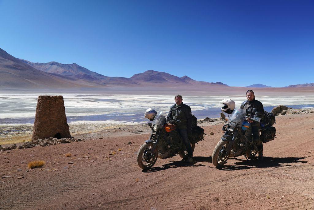 """Harley-Davidson LiveWire, Ewan McGregor a Charley Boorman účinkují v novém TV pořadu """"Long Way Up"""""""