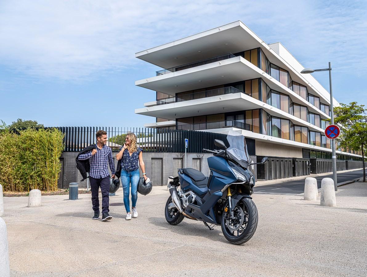 Honda Forza 750 se představuje pro modelový rok 2021