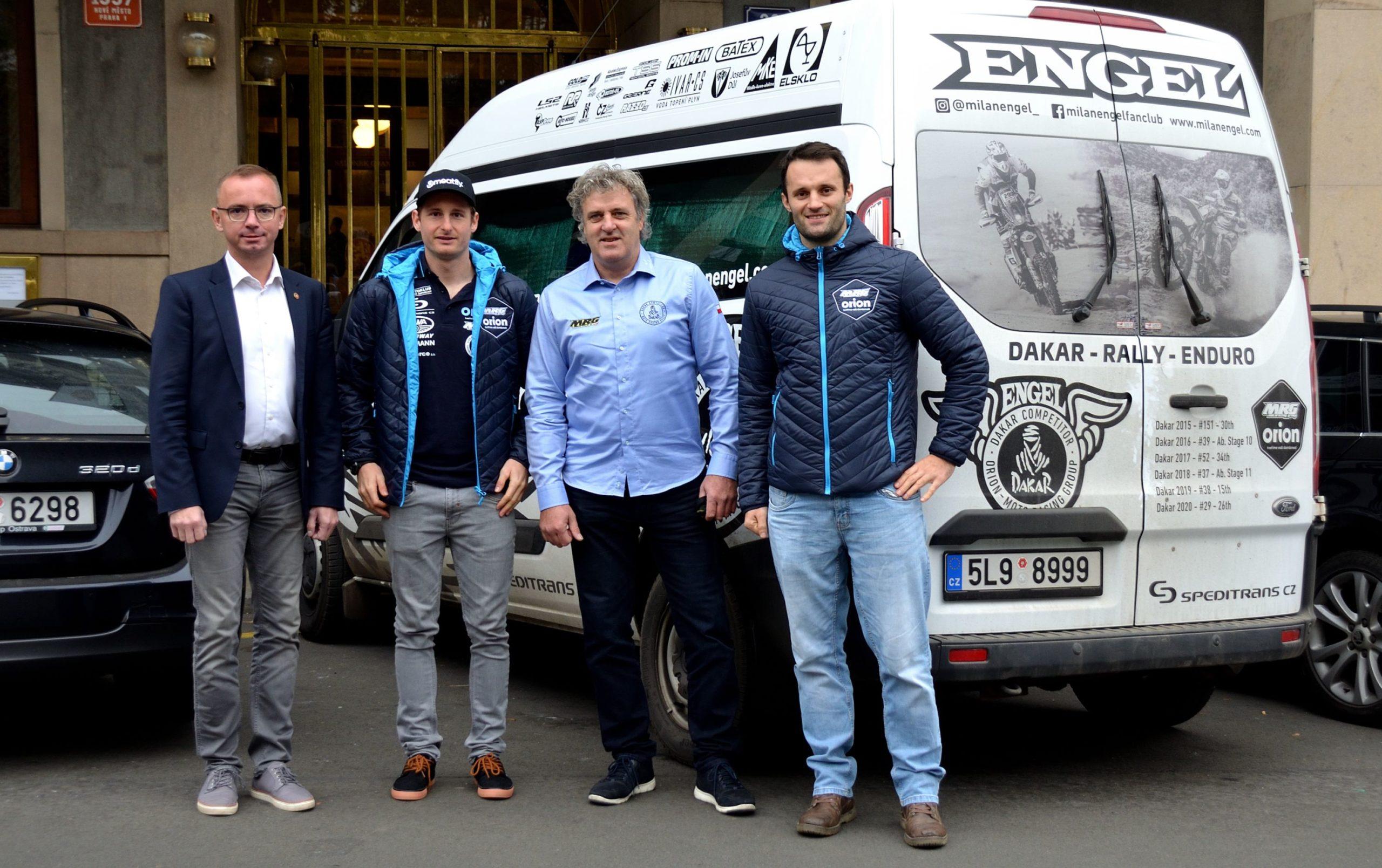 Engel s Michkem jedou na Dakar potvrdit pozici českých jedniček v dálkové rallye