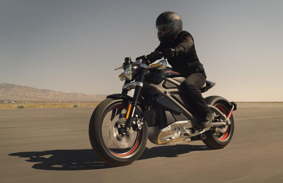 Harley-Davidson odhaluje projekt elektrické motorky LiveWire