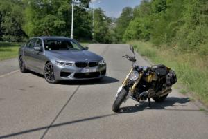 test-bmw-m5-2018-f90-a-bmw-r-nine-1